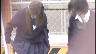 女子校生_野ション_オシッコ_連れション_盗撮画像04