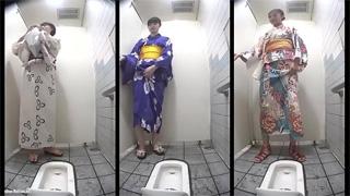 公衆トイレ_和式便所_浴衣_オシッコ_盗撮画像01