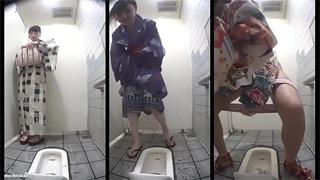 公衆トイレ_和式便所_浴衣_オシッコ_盗撮画像04