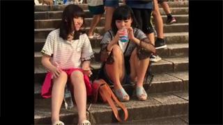 JC_ロリ少女_座りパンチラ_パンツ_盗撮画像01