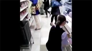 逆さ撮り_ショップ店員_制服_お姉さん_盗撮画像02