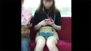 パンチラ_電車_ミニスカート_丸見え_盗撮画像06