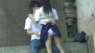 青姦_JK_手マン_フェラチオ_立ちバック_盗撮画像01
