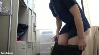 マクドナルド_更衣室_着替え_アルバイト_盗撮画像04