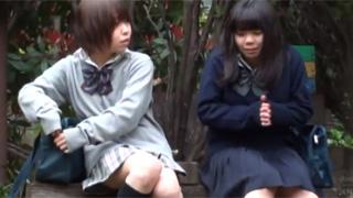 野ション_女子校生_オシッコ_悪ノリ_盗撮画像01
