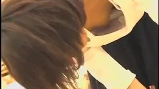 胸チラ_乳首ポロリ_素人_おっぱい_盗撮画像02