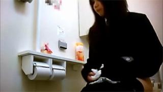 洋式トイレ_放尿_JK_制服_盗撮画像05