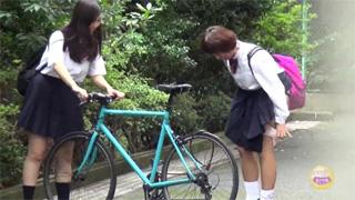 野ション_女子校生_放尿_制服_盗撮画像02