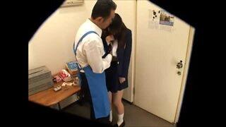 万引き_女子校生_フェラチオ_着衣SEX_盗撮画像02