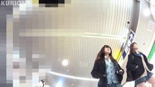 逆さ撮り_電車_駅構内_JK_盗撮画像01