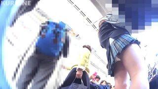 逆さ撮り_電車_駅構内_JK_盗撮画像04