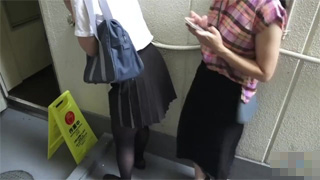 お漏らし_放尿_JK_制服_パンスト_盗撮画像01