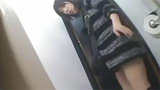 トイレ_放尿_立ちション_素人_盗撮画像01