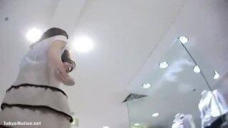 逆さ撮り_パンチラ_店員_美女_パンツ_盗撮画像01