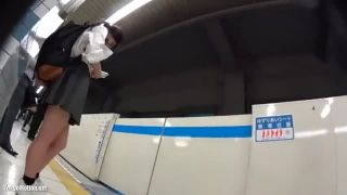 JK_パンチラ_駅構内_パンティー_盗撮画像01